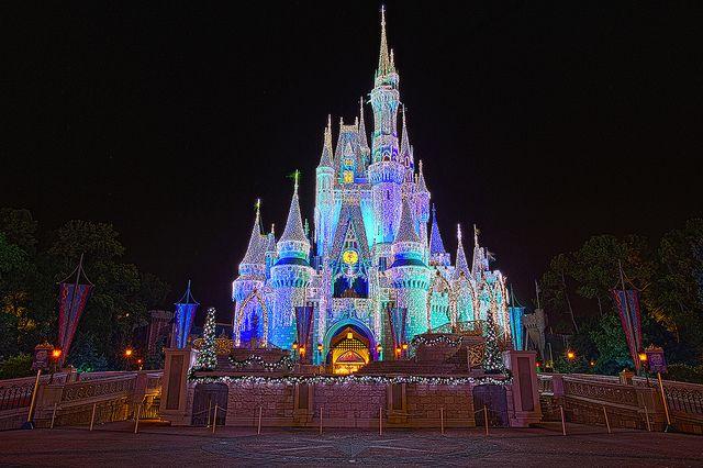 Walt Disney World Weihnachten – Cinderella Castle   – Outdoor Decor