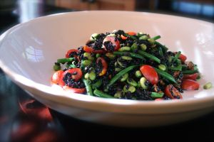 Black Rice Salad with Lemon Vinaigrette - beautiful, delicious + healthy to boot! Looks like I have a new favorite summer salad.