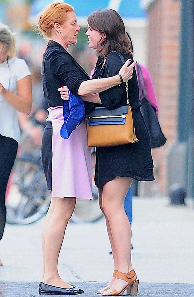 Sarah duchess of york and her daughter princess eugenie had a heart to heart moment on the - Princesse sarah 30 ...