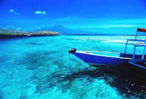 Esse paraíso fica em Bali, na Indonésia. Alguém quer dar um mergulho?