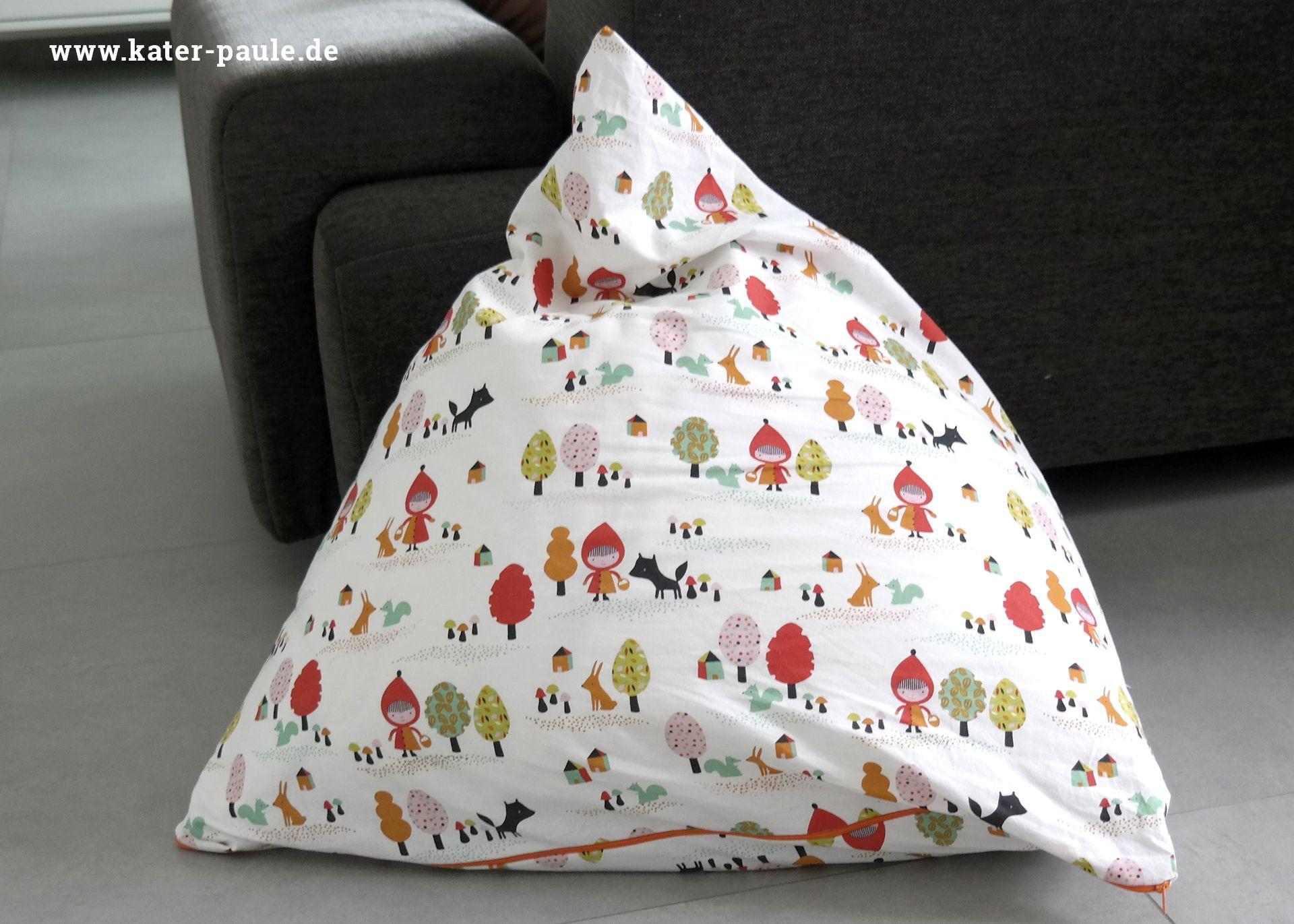 von gummib rchen kunstschnee und rotk ppchen ein sitzsack f r klein und gro n hen f r. Black Bedroom Furniture Sets. Home Design Ideas