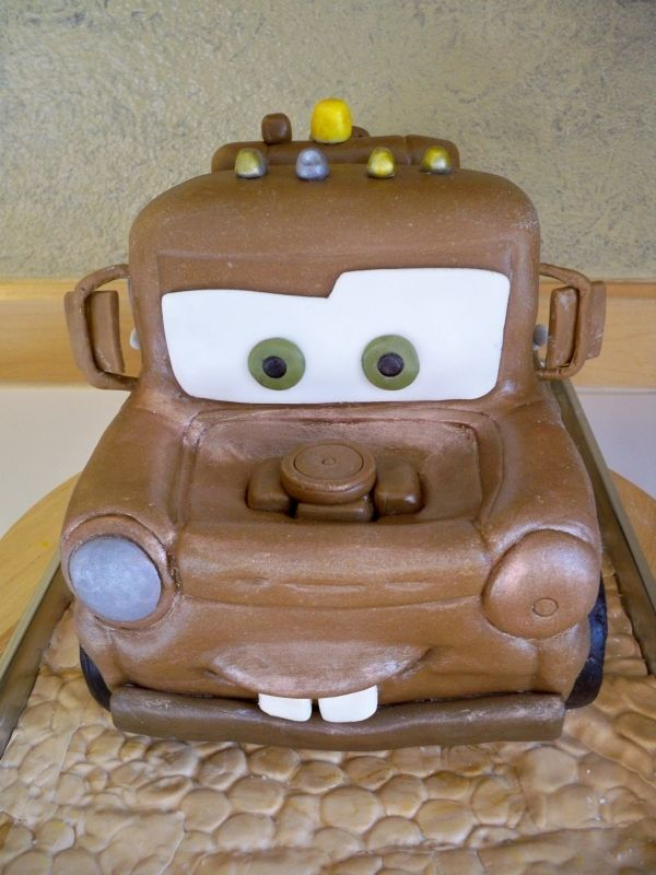 Remarkable Mater Cake Foe Charlie Cars Birthday Cake Tow Mater Cake Cars Funny Birthday Cards Online Alyptdamsfinfo