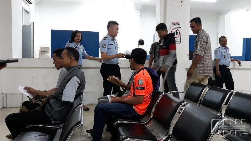 Imigrasi Kelas I Khusus Layani Paspor Atlet Futsal Disabilitas Orang Banda Aceh Pelayan