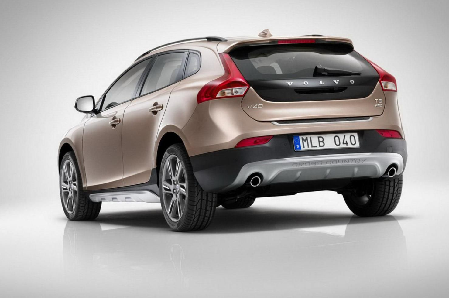 Pin By Felipe Leitao On Cars European Volvo V40 Volvo Automobile