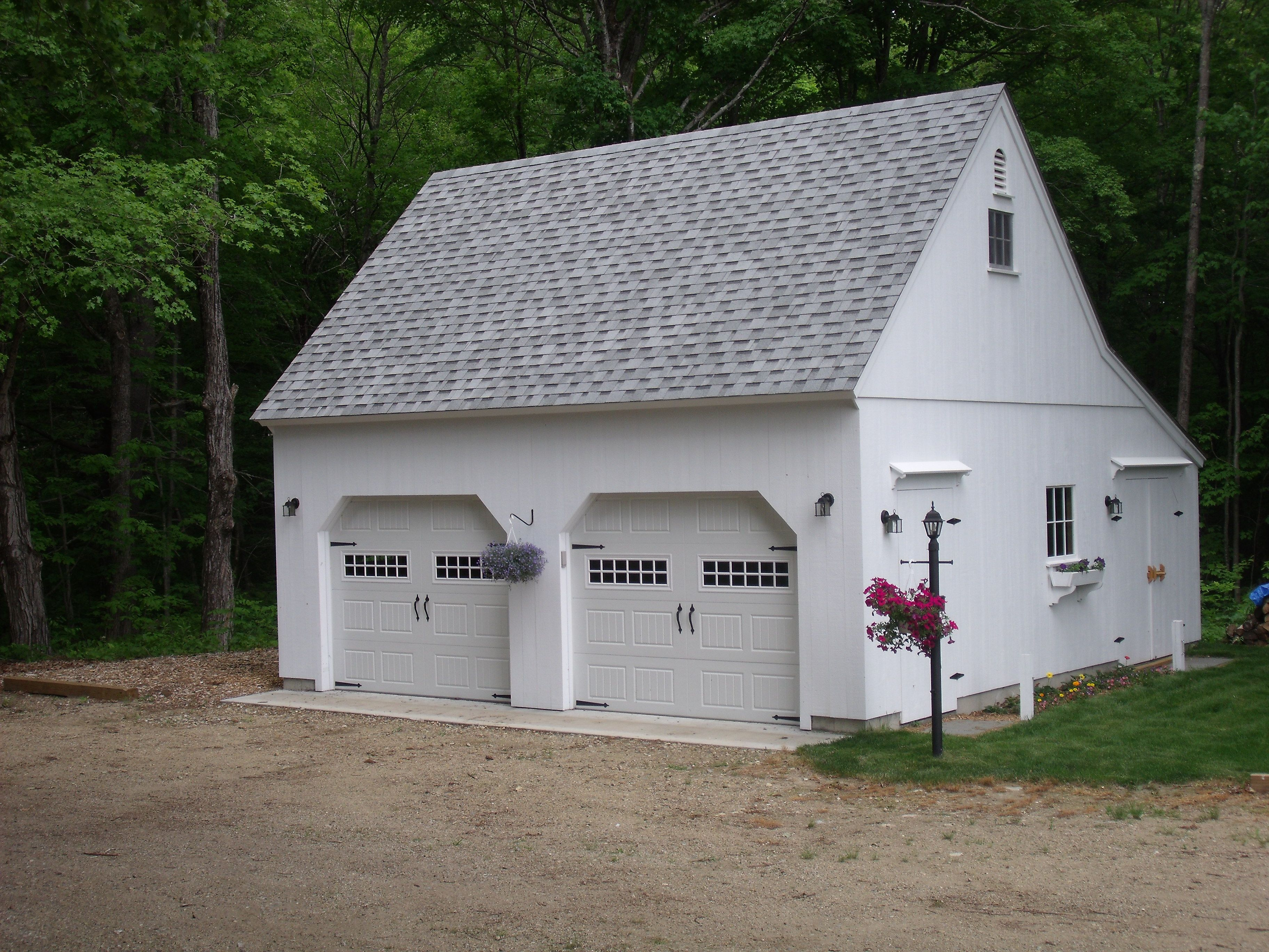 Our 26 X 24 One Story Barn Www Countrycarpenters Com Shed New England Style Shed Plans 12x16