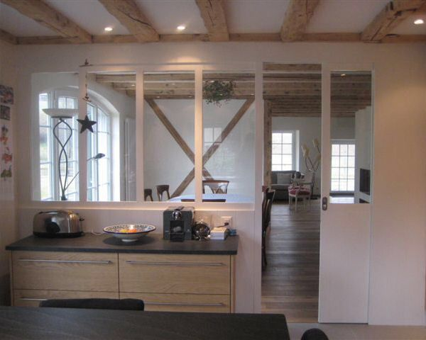 Verriere avec porte coulissante s paration cuisine for Separation vitree facon atelier