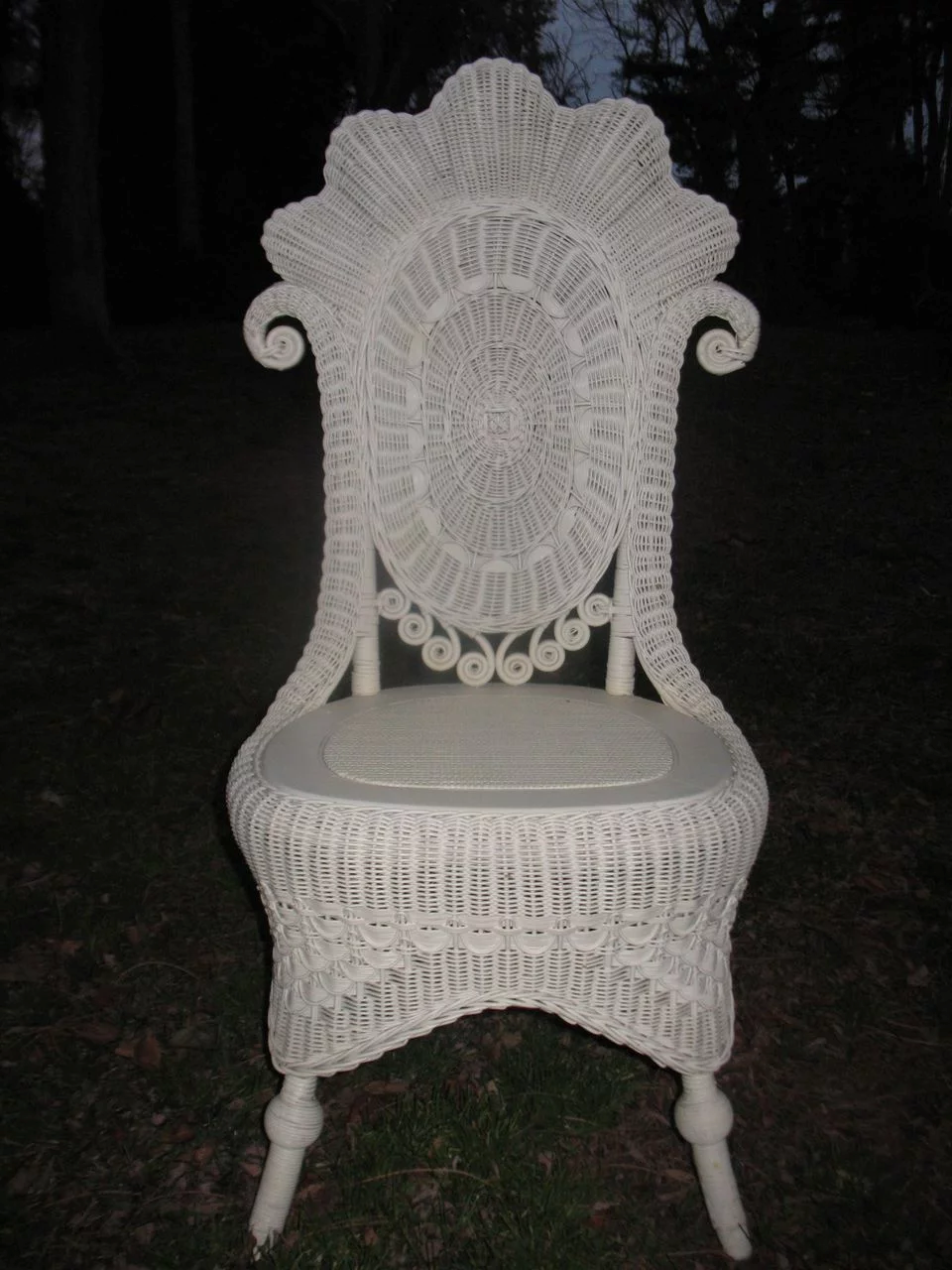 Fancy Antique Victorian Wicker Reception Chair Circa 1890 S Dovetail Antiques And Collectibles R Victorian Wicker Vintage Wicker Furniture Wicker Furniture