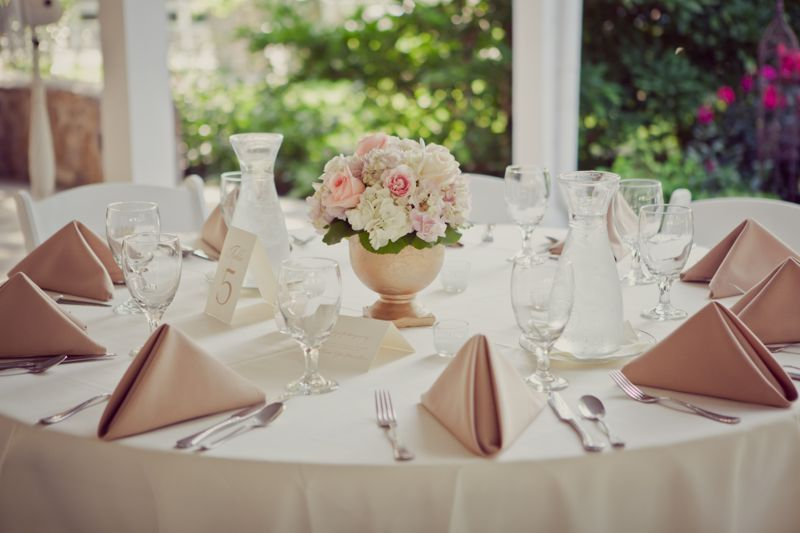 Maybe we can do blush napkins on white tablecloths for pop