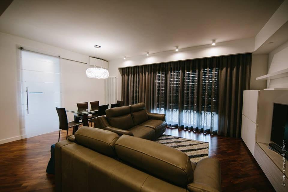 Appartamento, soggiorno, arredamento, rivestimento, tende ...