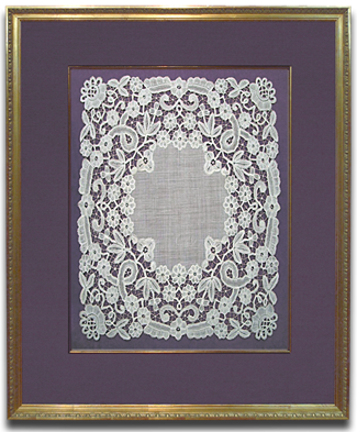 d39da08091d Antique Lace with Fabric Mat