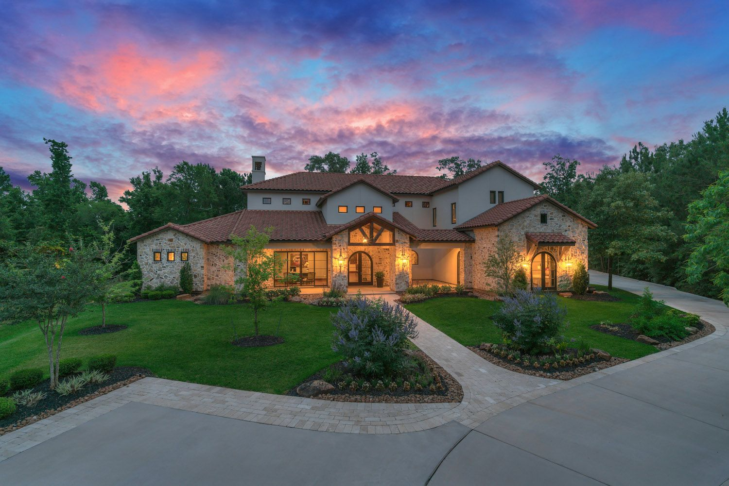 Forest pointe is located in the affluent golf community of