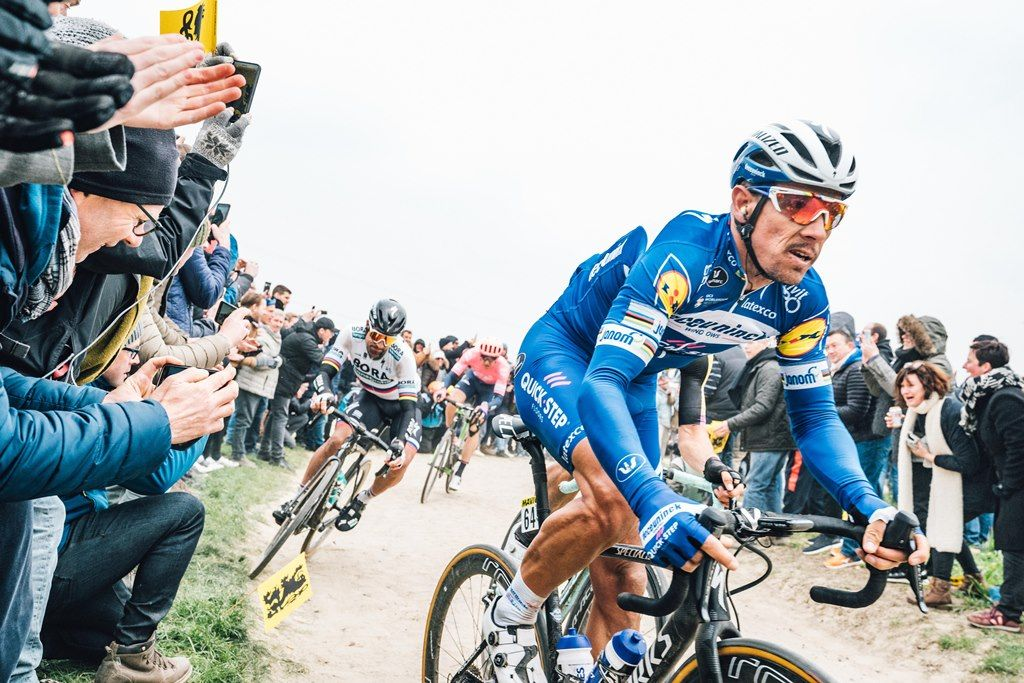 The new 2020 Specialized Roubaix in action  5 out of the top 10
