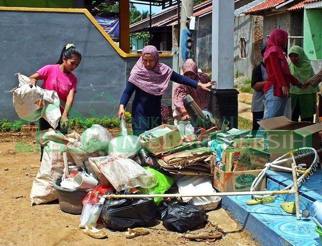 Bank Sampah Melati Bersih Launching Dan Penimbangan Perdana Bank Sampah Mela