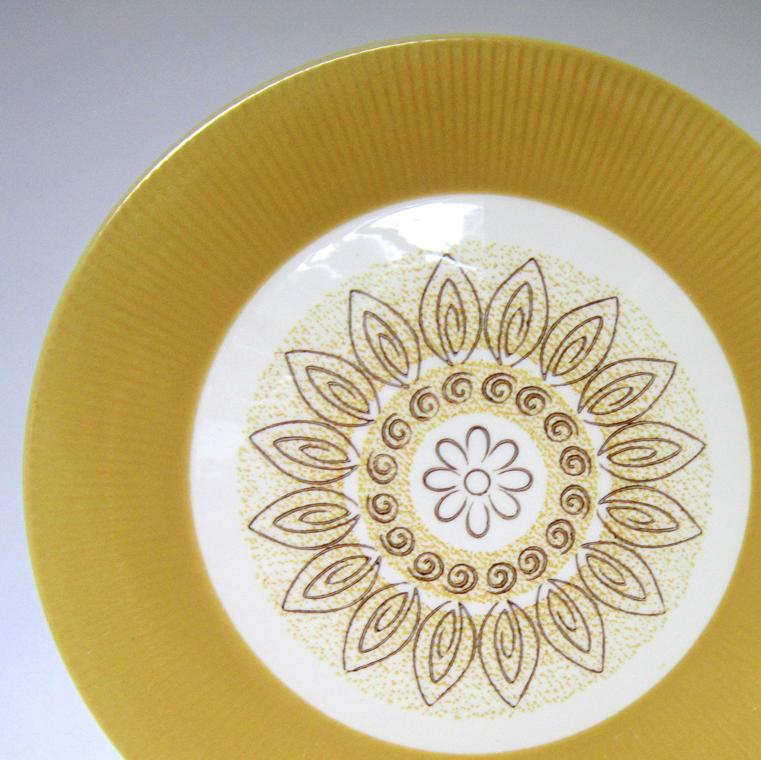 Classic Mid Mod Dinnerware Set By Homer Laughlin China Homer Laughlin Dishes Dinnerware Set Homer Laughlin China