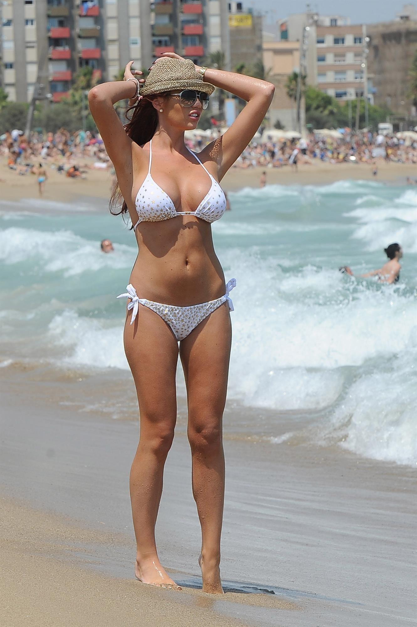 Bikini Amy Childs nudes (66 photos), Ass, Is a cute, Boobs, braless 2020