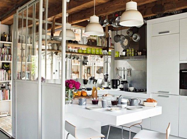 Le charme d\'une cuisine ouverte avec une séparation style ancien ...