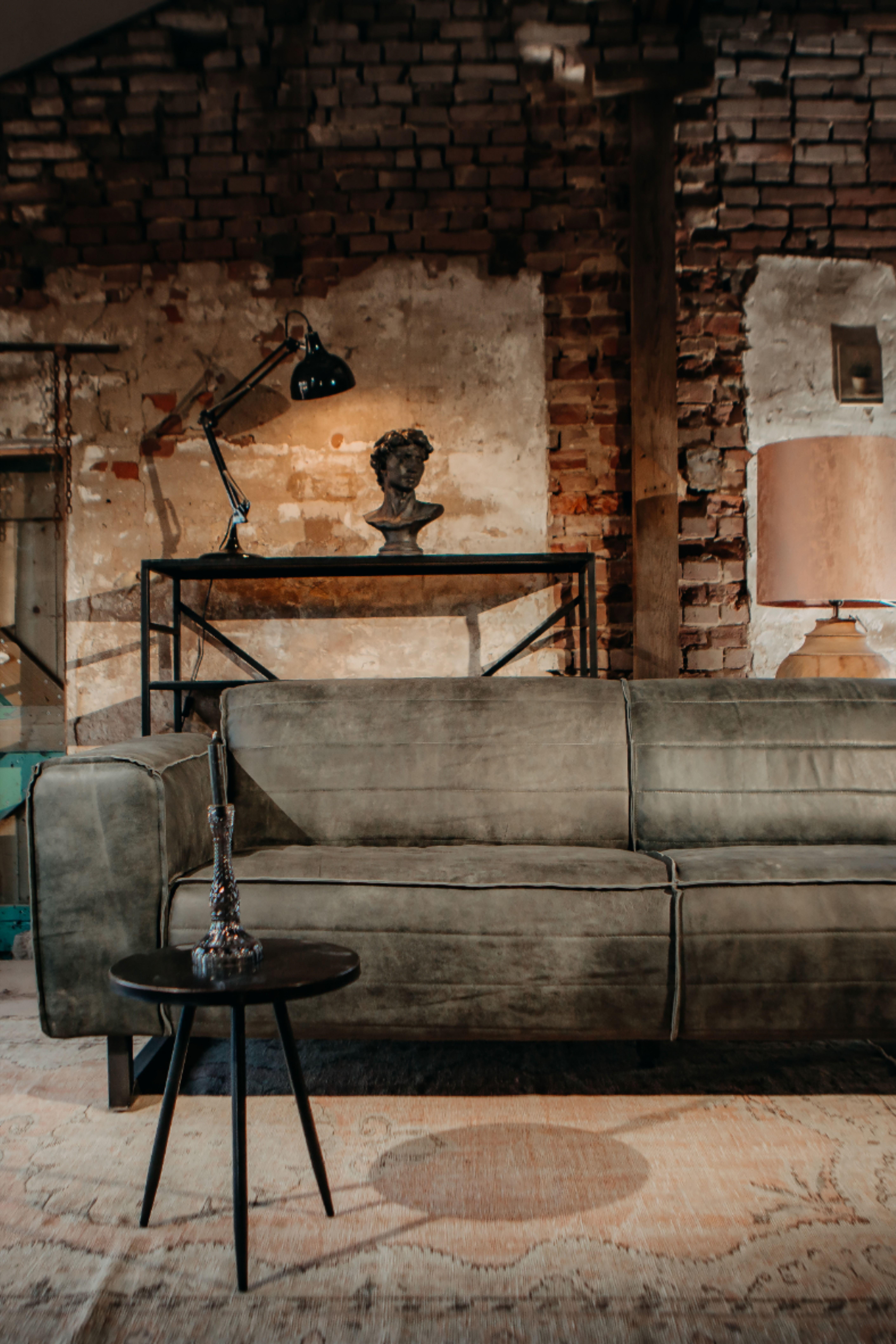 #wohnzimmer #industriemöbel #industrialdesign #industrialfurniture #industrialliving #ledersofa