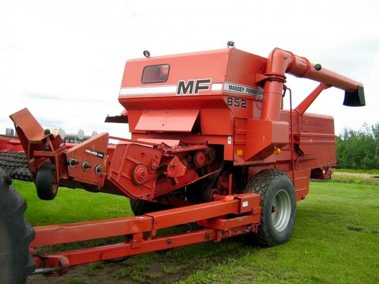 MASSEY-FERGUSON 852 Pull-Type Combine | Vintage Farm Tools ...
