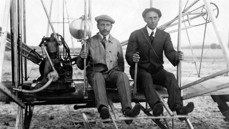 Orville and Wilbur Wright (1871-1948 and 1867-1912, respectively ...