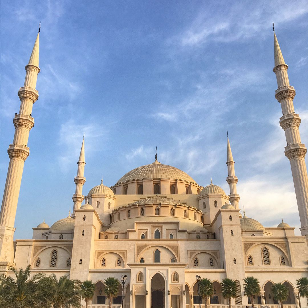 Sheikh Zayed Grand Mosque In Fujairah Truly Beautiful Mosque That
