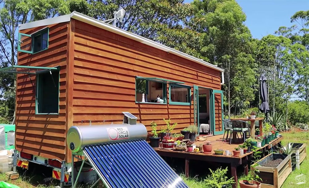 This Tiny House Is Off Grid Perfection Off Grid World Off Grid Tiny House Tiny House Exterior Building A Tiny House