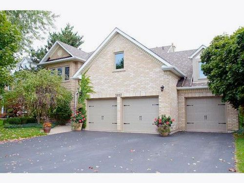Welcome Home Beautifully Maintained Triple Car Garage Backing Onto Millcroft Golf Course Includes Upgraded Roof Sale House Renting A House 2 Story Great Room
