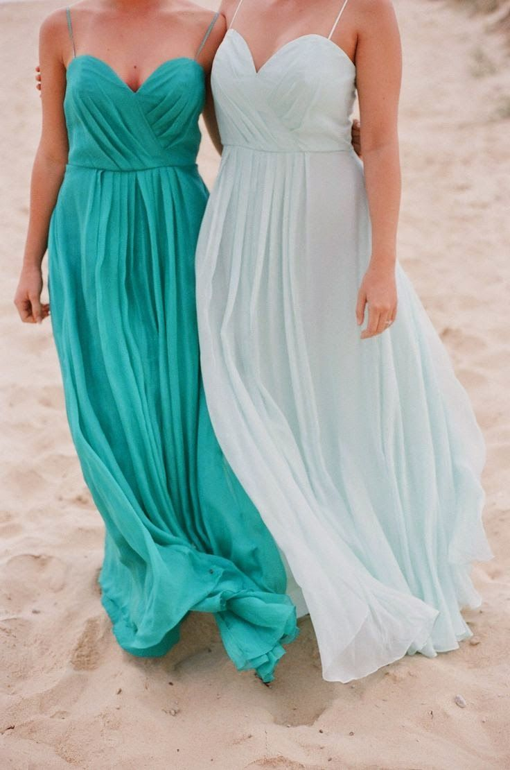 Boda en aguamarina vestidos pinterest aquamarines beautiful has little tiny straps which might be good for those that dont love full strapeless dresses ombrellifo Images