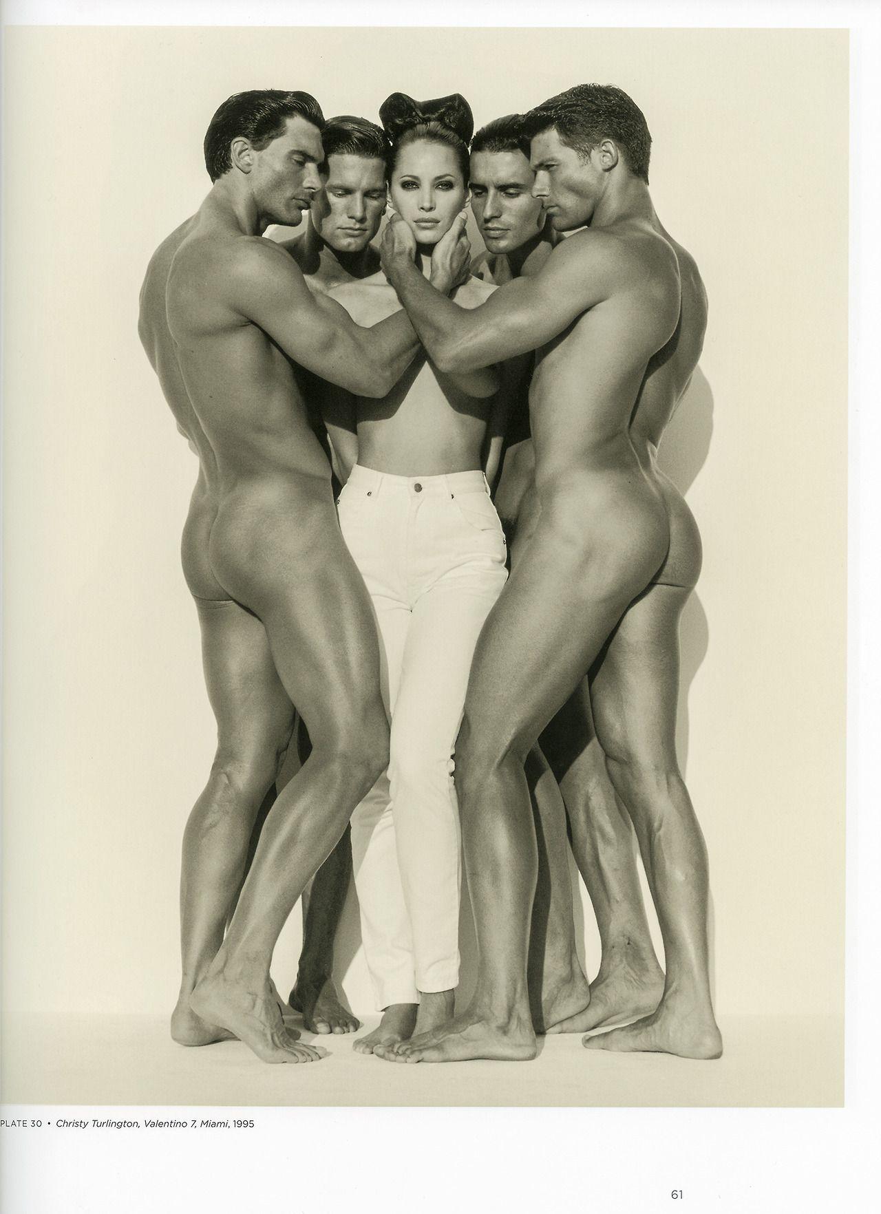 Erotic women sculptures by valentino