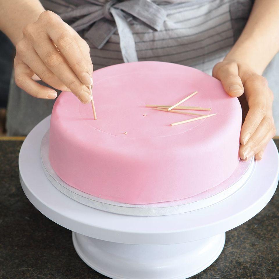 Aufbau mehrstöckiger Torten Rezept Mehrstöckige torte
