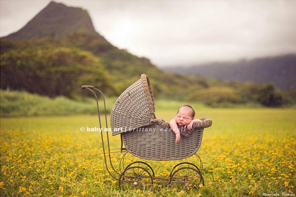 Outdoor newborn pose newborn photography