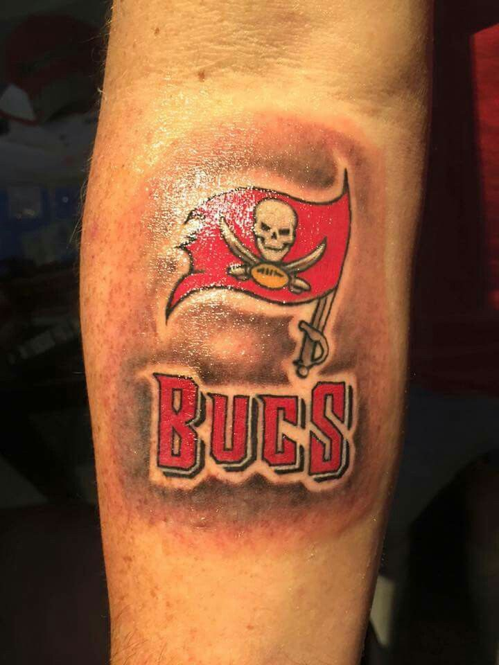 Pin By Clayton Matthews On Tampa Bay Buccaneers Tampa Bay Buccaneers Tattoos Girl Tattoos