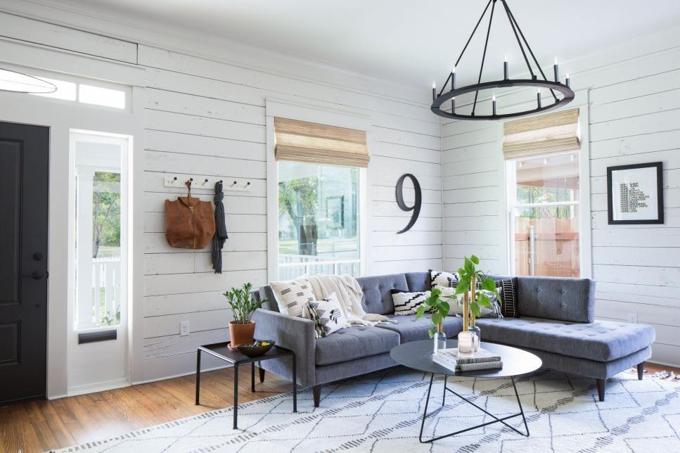 fixer upper a rock star renovation literally wandgestaltung furniture und m bel. Black Bedroom Furniture Sets. Home Design Ideas