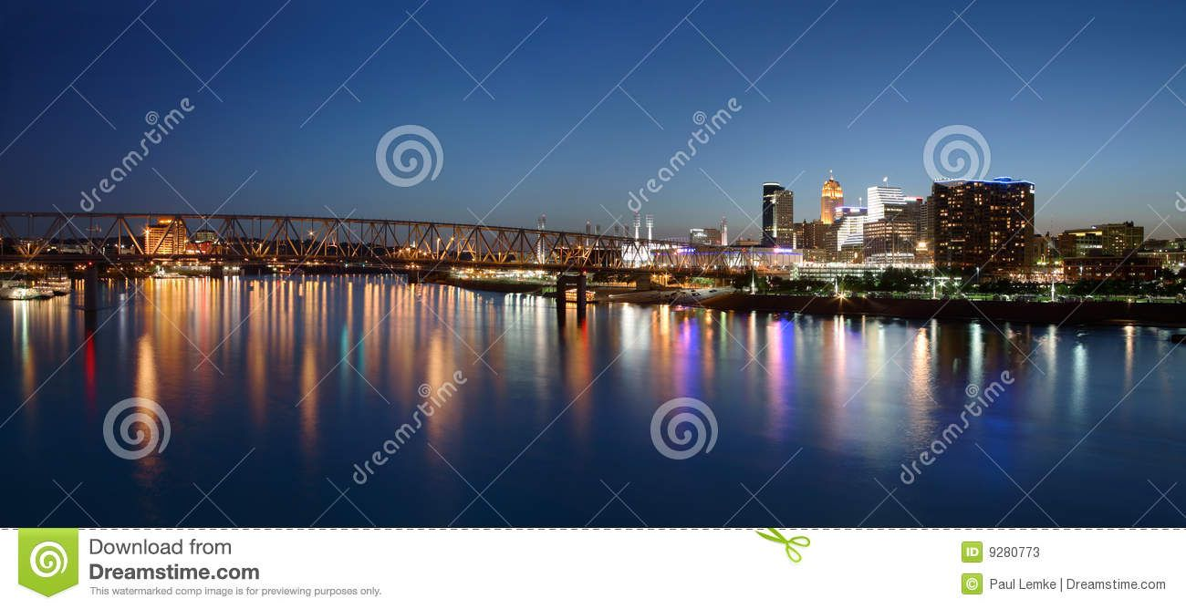 Cincinnati Ohio At Night - Download From Over 27 Million High Quality Stock Photos, Images, Vectors. Sign up for FREE today. Image: 9280773