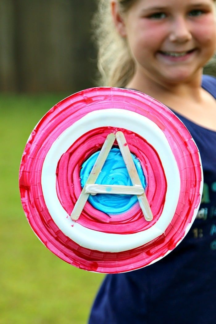 Captain America Paper Plate Shield - #superherocrafts