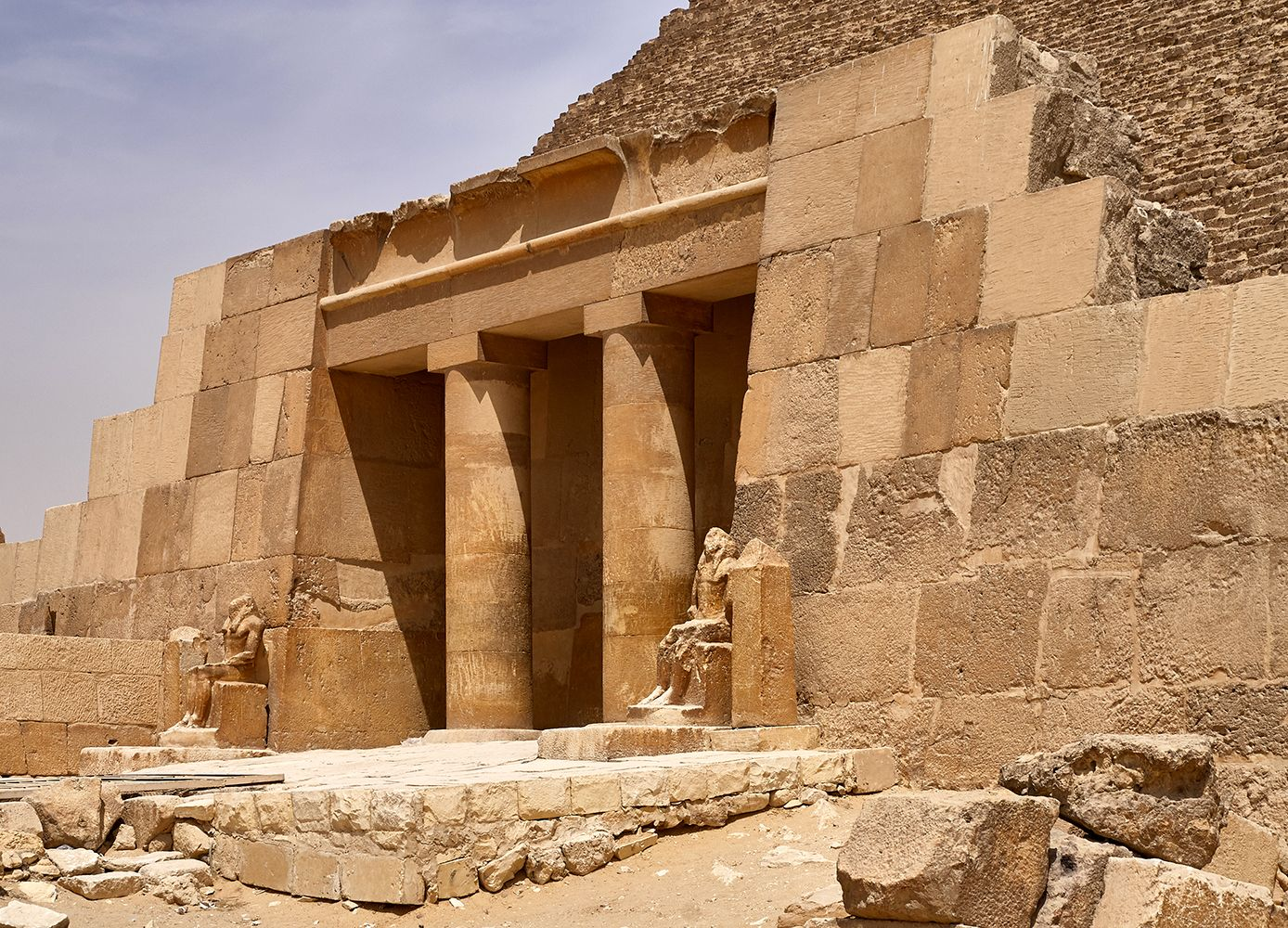 Virtual Tours Can Whisk You To Ancient Egypt Pyramids Of Giza Great Pyramid Of Giza Egyptian Pyramids
