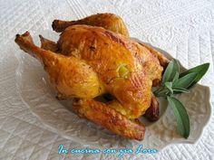 Un secondo piatto gustoso per la domenica? Pollo intero al forno saporito, un classico che non delude mai. Questa ricetta è particolarmente