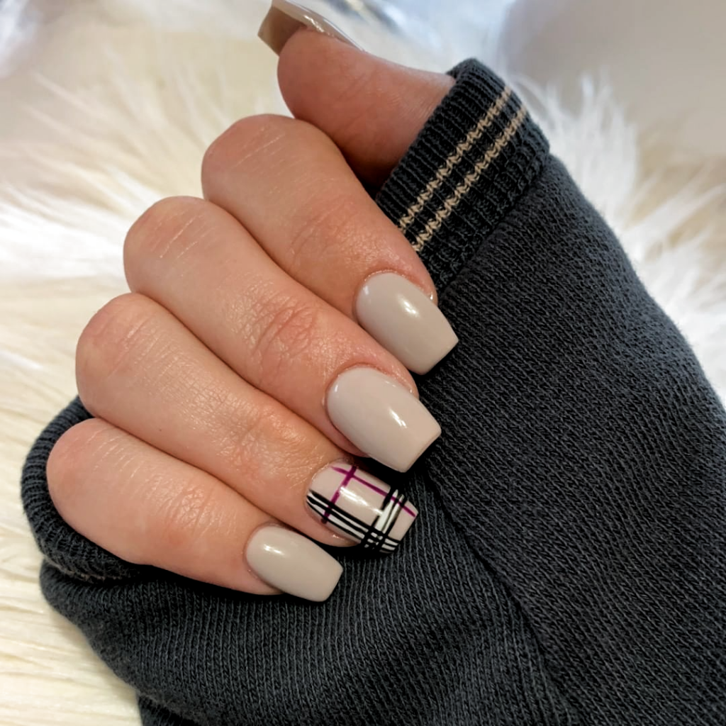 Sometimes All We Need Is Some Burberry Nails Acrylic Nails Fall Nails Fall Nail Art F In 2020 Burberry Nails Short Acrylic Nails Designs Short Acrylic Nails