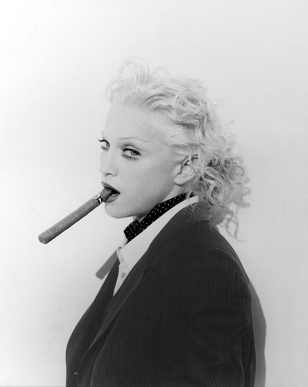 http://www.queenmadonna.com/gallery/shoot/1992/cigar2.jpg