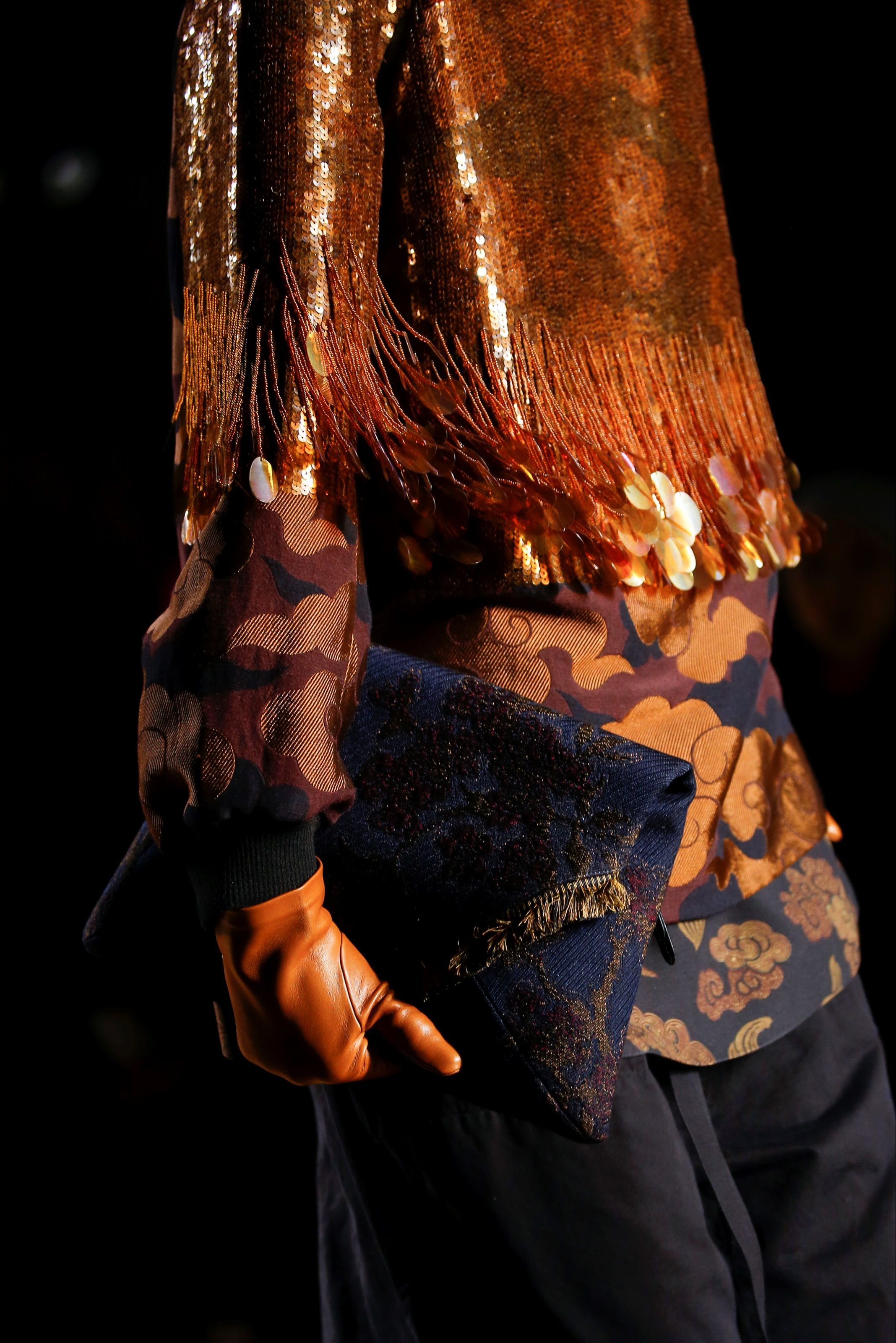Dries Van Noten Fall 2015 Ready-to-Wear Fashion Show Details