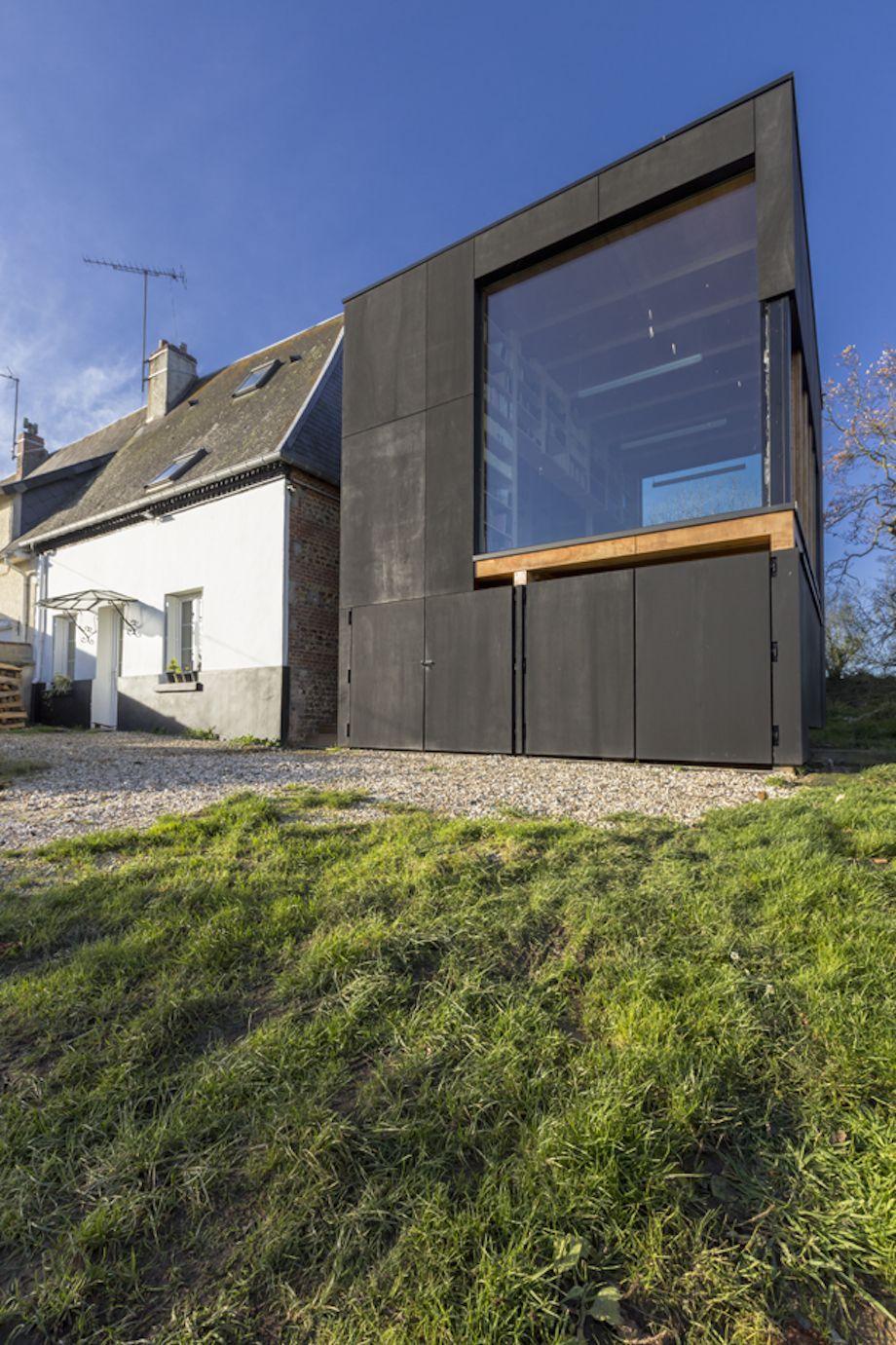 Haus 05 von Ziegler Antonin Beherbergt Garage, Bibliothek und ...