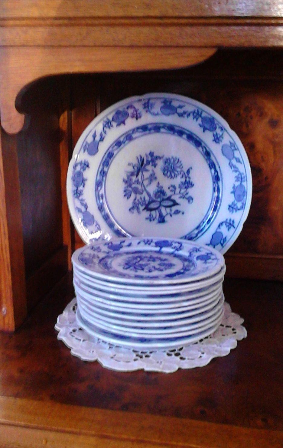 Antichi Piatti 11 Piattini Da Dolce 1 Vassoio Laveno Made In Italy Decoro Meissen Cipolla Bianco E Blu Di Vintagetranslate Decor Decorative Plates Plates
