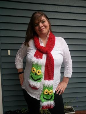 Looming Exclusive Designs: Grinch in July #grinchscarfcrochetpatternfree