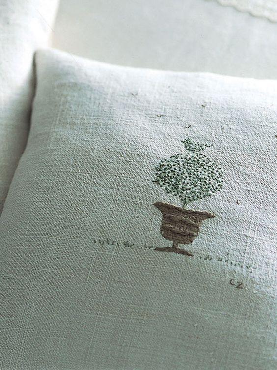 hand embroidered tree - Google Search