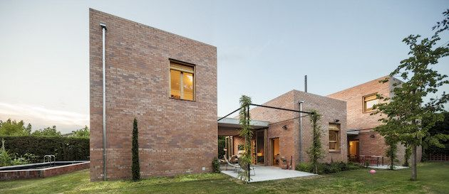 20 of the most incredible brick house designs | modern brick house