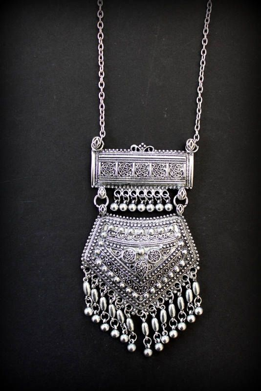 5a3e936c Rajasthani style Ethnic necklace Silver plated replica Big dangling ...