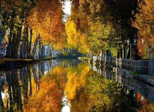 Canal du Centre, Bourgogne, France  photo via always