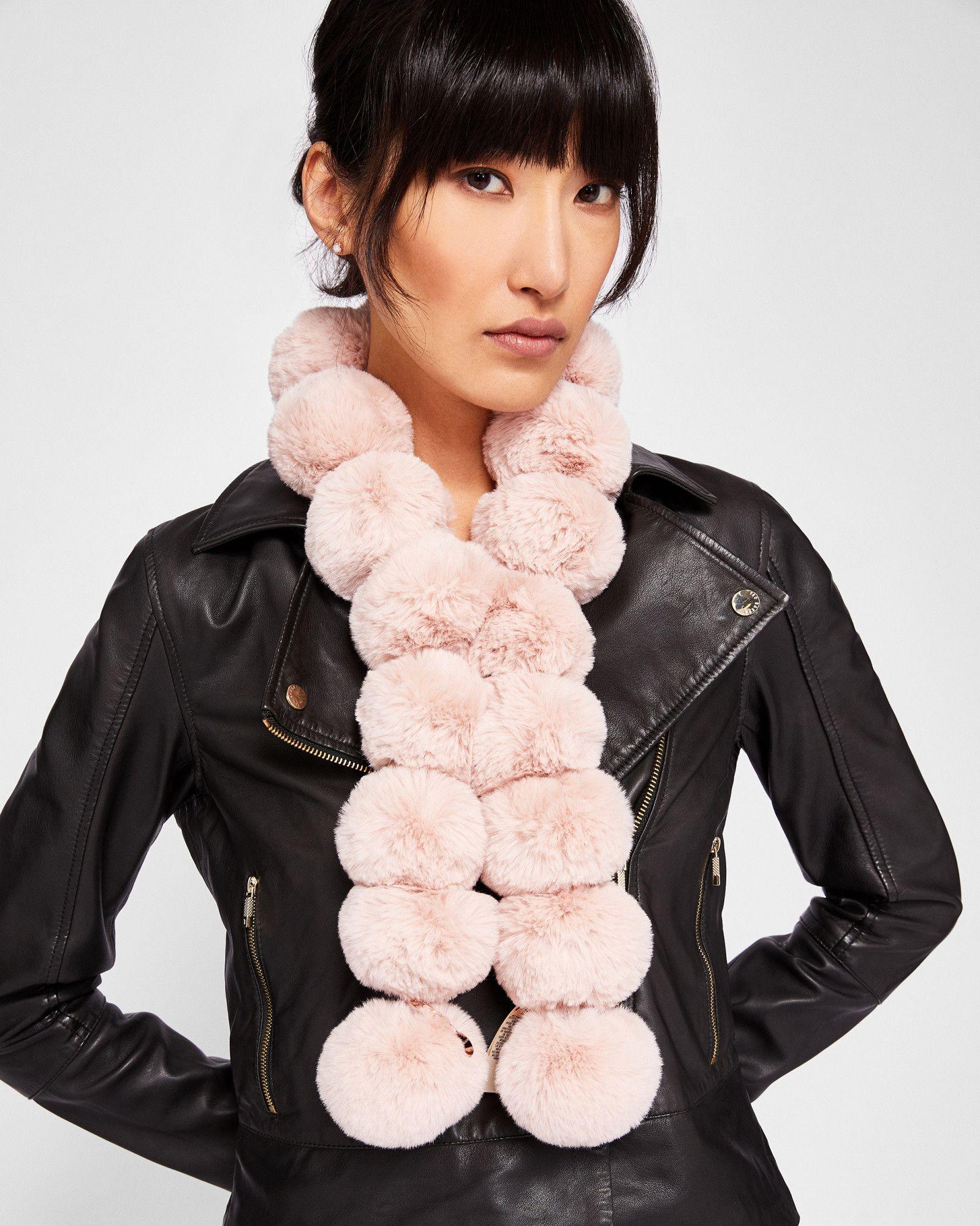 aa4569a45794 TIZZY Faux fur pom-pom scarf  TedToToe