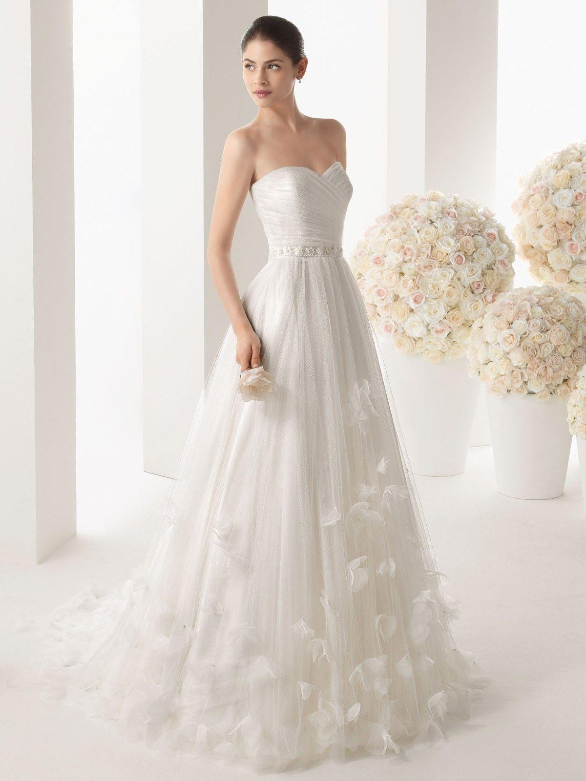 Hot summer day....light white airy dress | wedding ideas | Pinterest ...