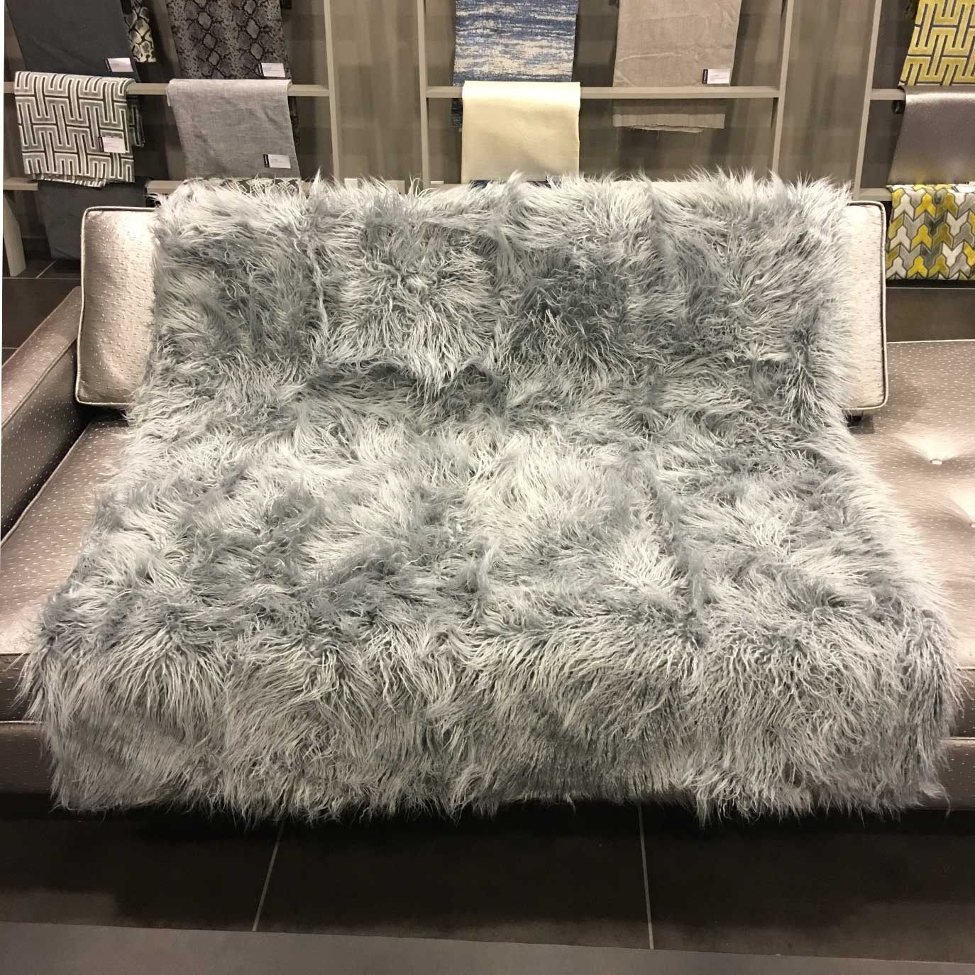Luxurious Shaggy Faux Fur Throw Blanket