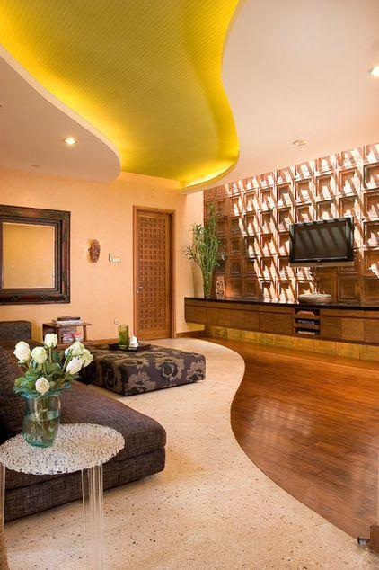 Eclectic Living Room by Iwan Sastrawiguna Interior Design, Sand - beleuchtung für wohnzimmer